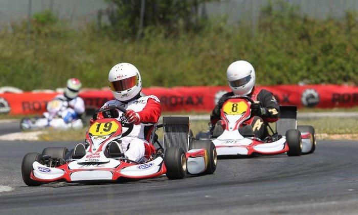24,90€ για 36' αγωνιστικής οδήγησης kart σε μια από τις μεγαλύτερες πίστες της Αθήνας (μήκος 840 μ.), στο
