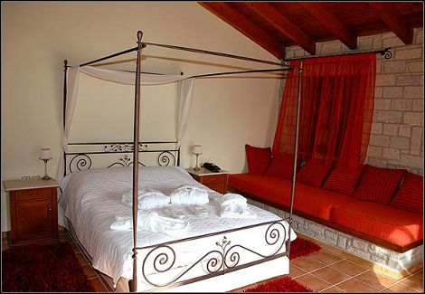 http://go.linkwi.se/z/269-0/CD1180/?lnkurl=http%3A%2F%2Fwww.dealsafari.gr%2Fprosfores%2Fxenodoxeia%2F119euros-castle-resort-kalavryta
