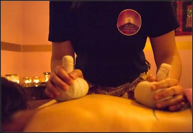19,90€ για (1) μασάζ της επιλογής σας ανάμεσα σε traditional thai ή shiatsu, διάρκειας 45' και (1) head, back μασάζ ή reflexology, διάρκειας 30', από το