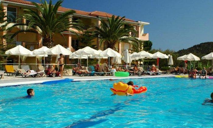 Προσφορά από 20€ ανά διανυκτέρευση με πρωινό για 2 ενήλικες (και 1 παιδί έως 6 ετών) στο Letsos Hotel εικόνα