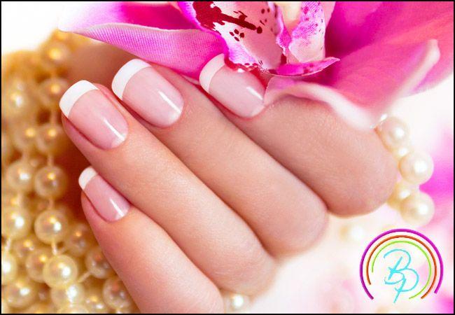8€ για 1 ημιμόνιμο manicure, απλό ή γαλλικό, από το