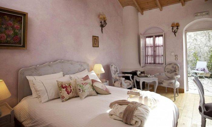Προσφορά από 85€ ανά διανυκτέρευση με πρωινό για 2 ενήλικες και 1 παιδί έως 2 ετών στο Amaryllis Luxury Guesthouse εικόνα