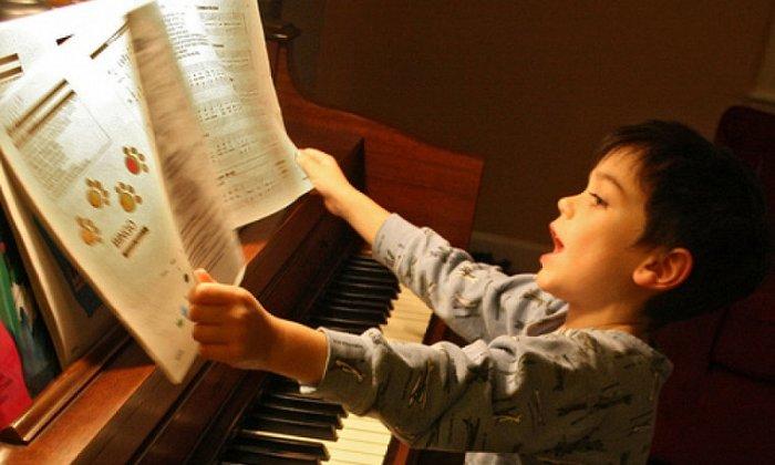 30€ για 4 ατομικά μαθήματα μουσικών οργάνων, στο κέντρο δημιουργικής απασχόλησης