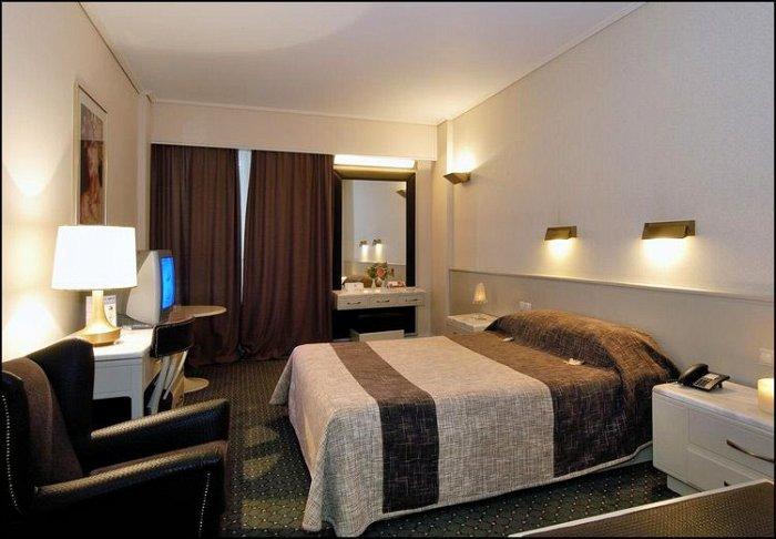 Προσφορά από 55€ ανά διανυκτέρευση με πρωινό για 2 ενήλικες και 1 παιδί έως 7 ετών στο 4* Astir Hotel εικόνα