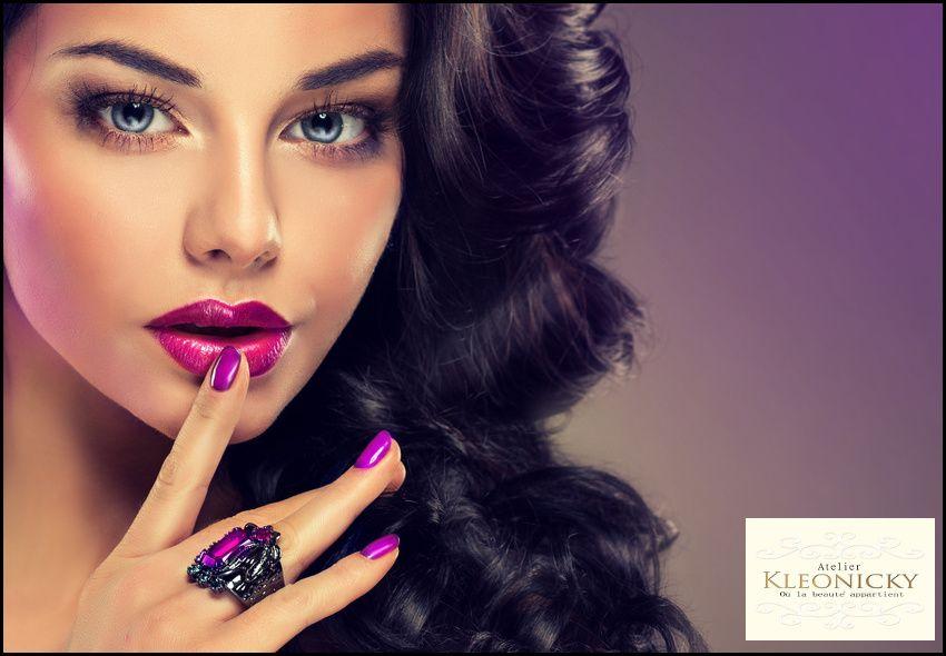 9€ για (1) ολοκληρωμένο manicure, (1) ολοκληρωμένο pedicure, (1) λούσιμο και (1) χτένισμα ίσιωμα ή μπούκλες με κεραμικό, από το
