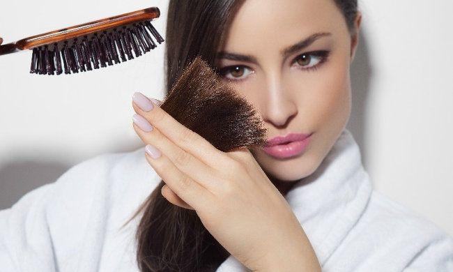 17€ για αφαίρεση της ψαλίδας χωρίς μείωση του μήκους των μαλλιών, από το