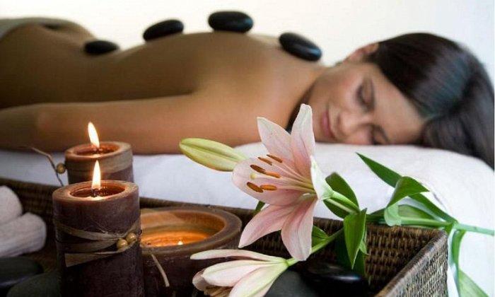 Από 10€ για ένα πακέτο με χαλαρωτικό ή θεραπευτικό μασάζ, shiatsu, ρεφλεξολογία, κ.ά., για πλήρη αναζωογόνηση, από το Divine Massage στο Γαλάτσι εικόνα
