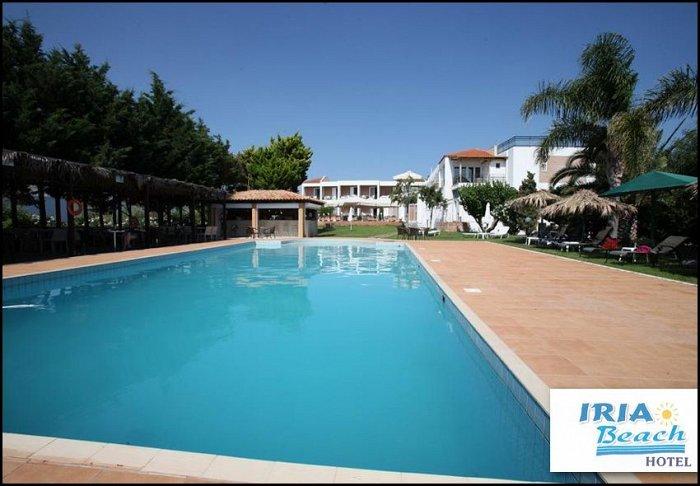 Προσφορά από 90€ ανά διανυκτέρευση με Ημιδιατροφή για 2 ενήλικες και 1 παιδί έως 12 ετών στο Iria Beach Hotel εικόνα