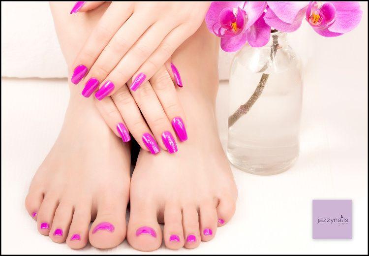 6€ για (1) ολοκληρωμένο manicure ή pedicure (απλό ή γαλλικό) με βερνίκι O.P.I. Infinite Shine διάρκειας 10 ημερών και (1) ενυδάτωση προσώπου 20', από το