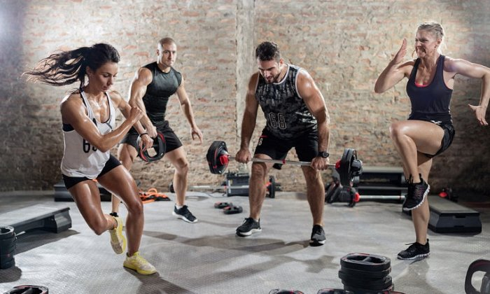 75€ για 3 μήνες απεριόριστο personal training σε mini ομαδικά group των 2 έως 8 ατόμων με TRX, Cross Training, KIMAX, Pilates Props, από το Peak Fitness Hall