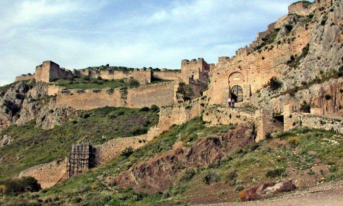 Χριστούγεννα και Πρωτοχρονιά 3 ή 4 ημέρες με πούλμαν & συνοδό από Αθήνα. Διαμονή στο 4* King Saron στο Καλαμάκι Κορινθίας με Ημιδιατροφή και δύο (2) Ρεβεγιόν. Επισκέψεις σε Ράντσο Σοφικού, Ακροκόρινθο, Τρίκαλα Κορινθίας, Στυμφαλία, Λουτράκι, Μονή Φανερωμένης Χιλιομοδίου.