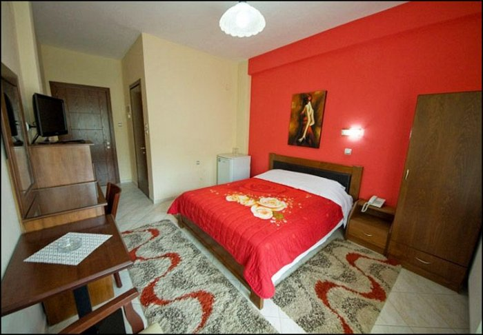 Προσφορά από 39€ ανά διανυκτέρευση με πρωινό για 2 ενήλικες και 1 παιδί έως 6 ετών στο Ξενοδοχείο στα Λουτρά Πόζαρ Αριδαίας εικόνα